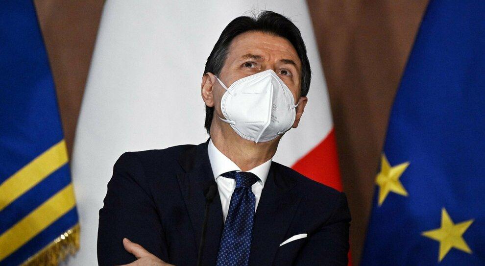Crisi e Conte ter, la strategia di Pd e M5s. Renzi pronto a trattare