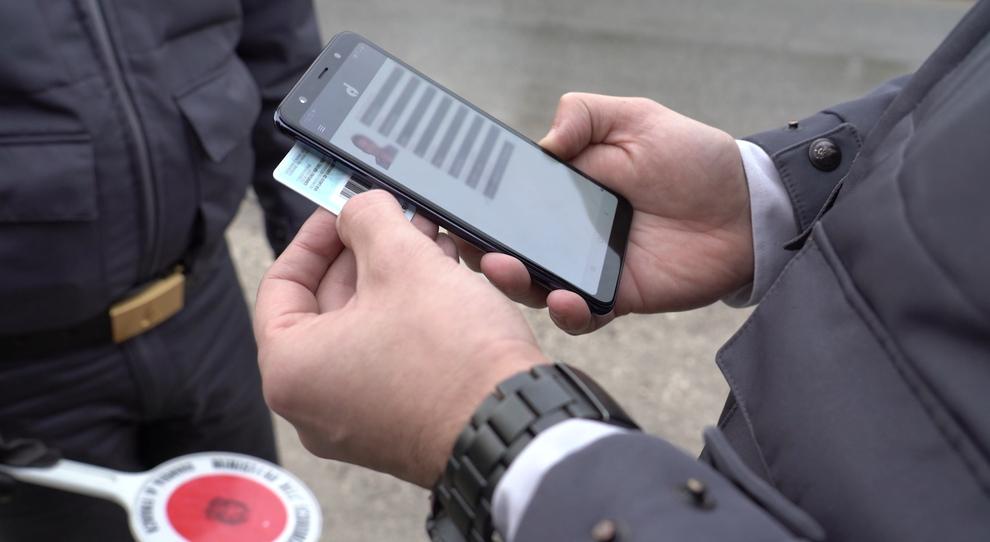Carta d'identità elettronica l'alternativa allo Spid ma pochi gli enti collegati