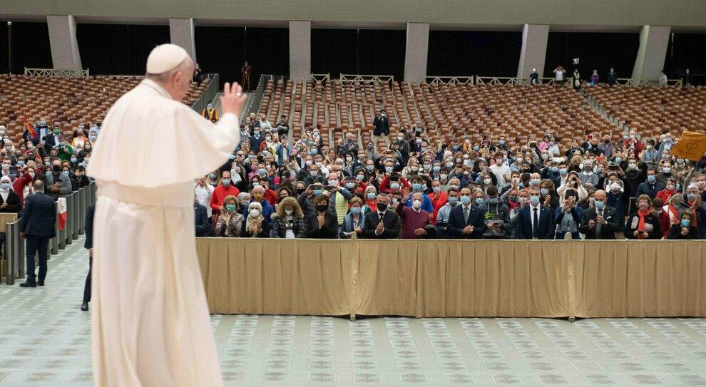 Papa Francesco dice sì alle leggi civili sulle coppie gay