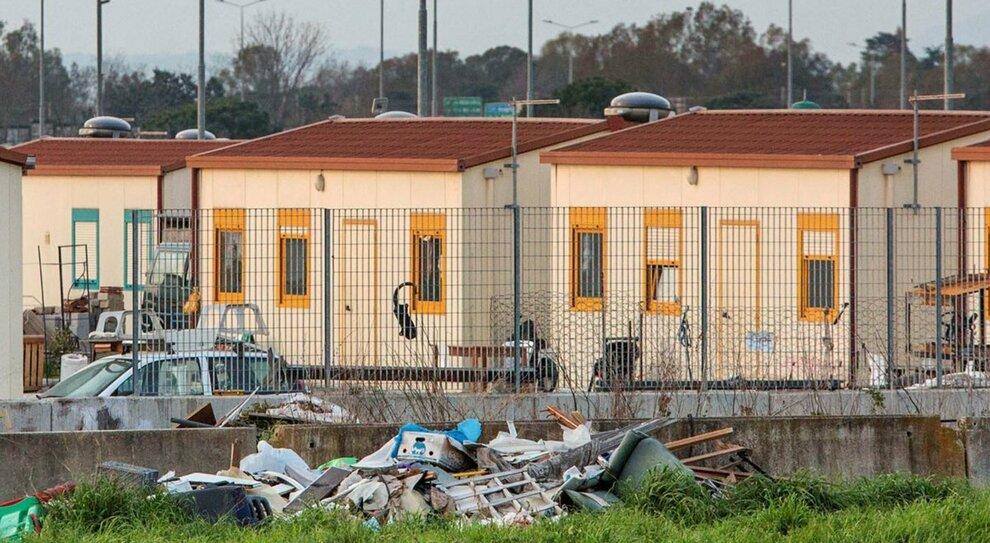 Rom, il piano del Comune di Roma: saranno trasferiti nelle province del Lazio