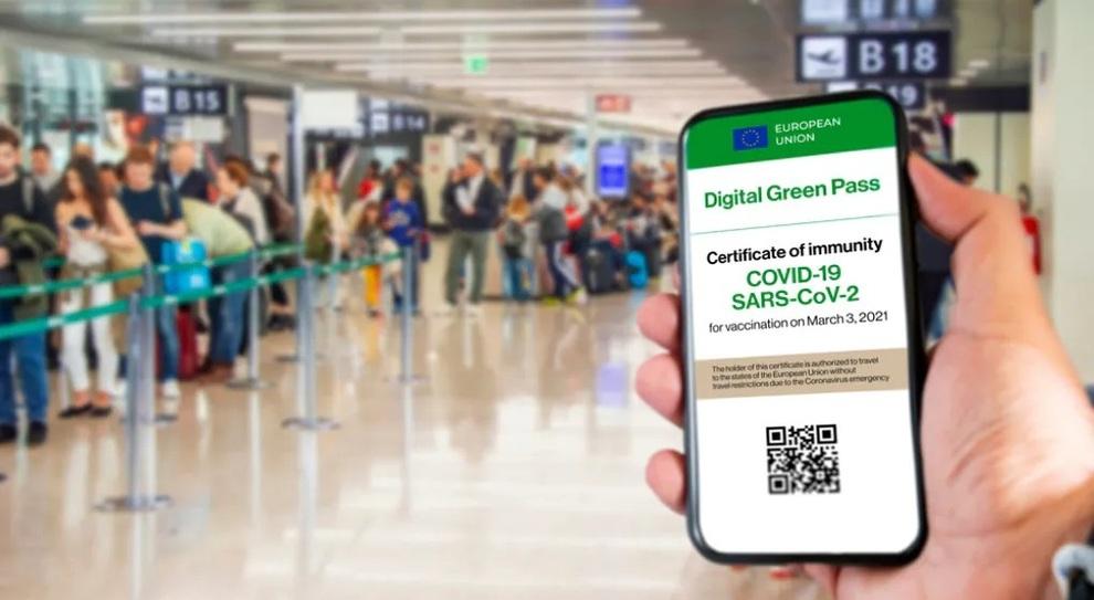 Green pass per spostamenti, viaggi e cerimonie: quando è obbligatorio, come ottenerlo, quanto dura