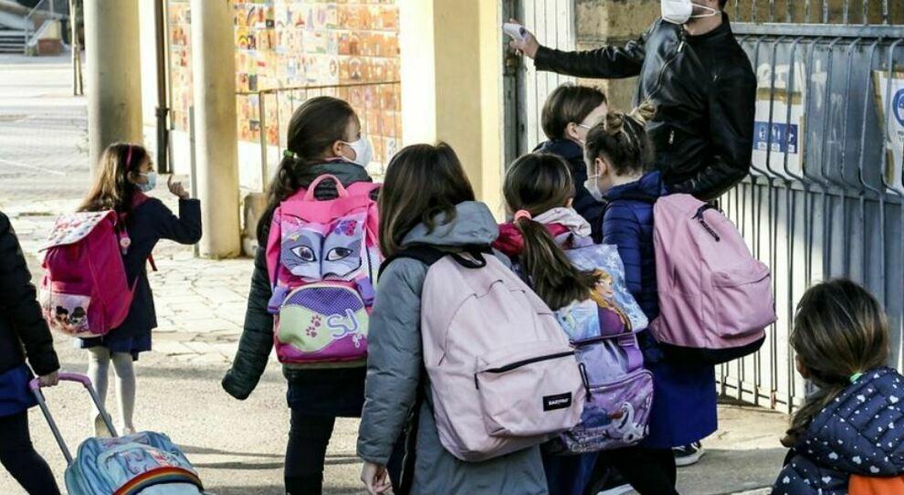Scuola verso riapertura: dalla Lombardia al Lazio, ecco chi tornerà in aula il 7 aprile