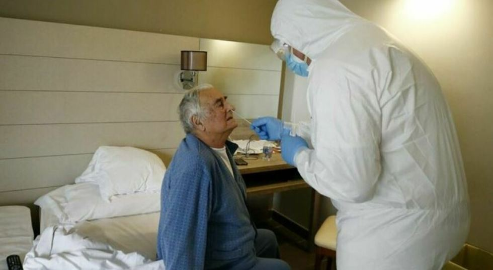Covid, come curarlo a casa: le linee guida dell'Aifa