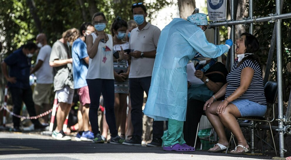 Coronavirus. Cts, Agostino Miozzo: «Rischio 1.000 casi al giorno, inevitabili lockdown locali»