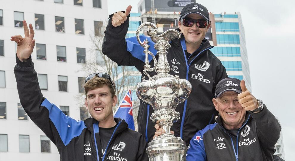 L'America's Cup riportata in trionfo a Auckland nel 2017. Credit ETNZ /Carlo Borlenghi