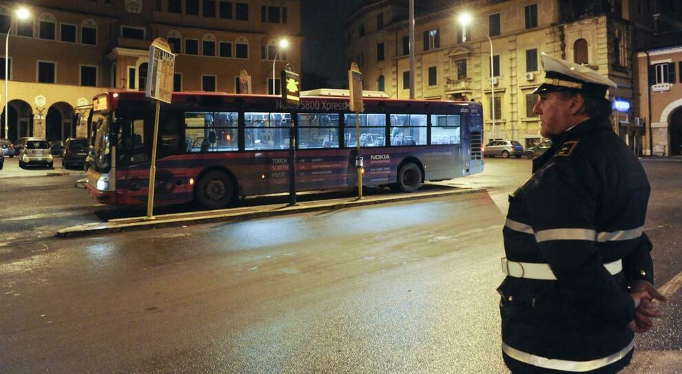 Roma, Montesacro. La baby gang colpisce ancora: in 7 contro 1, giovane ferito