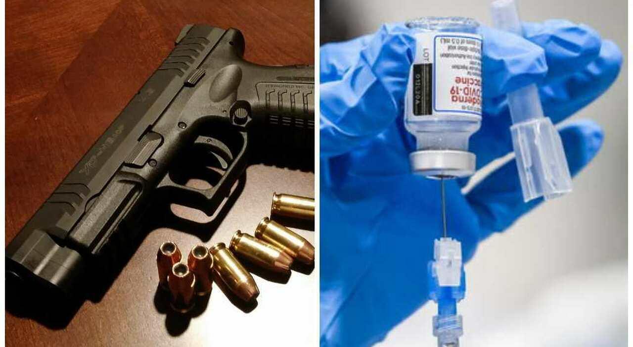 Vaccini, armi a chi si inietta una dose: l'iniziativa del West Virginia per convincere i no vax