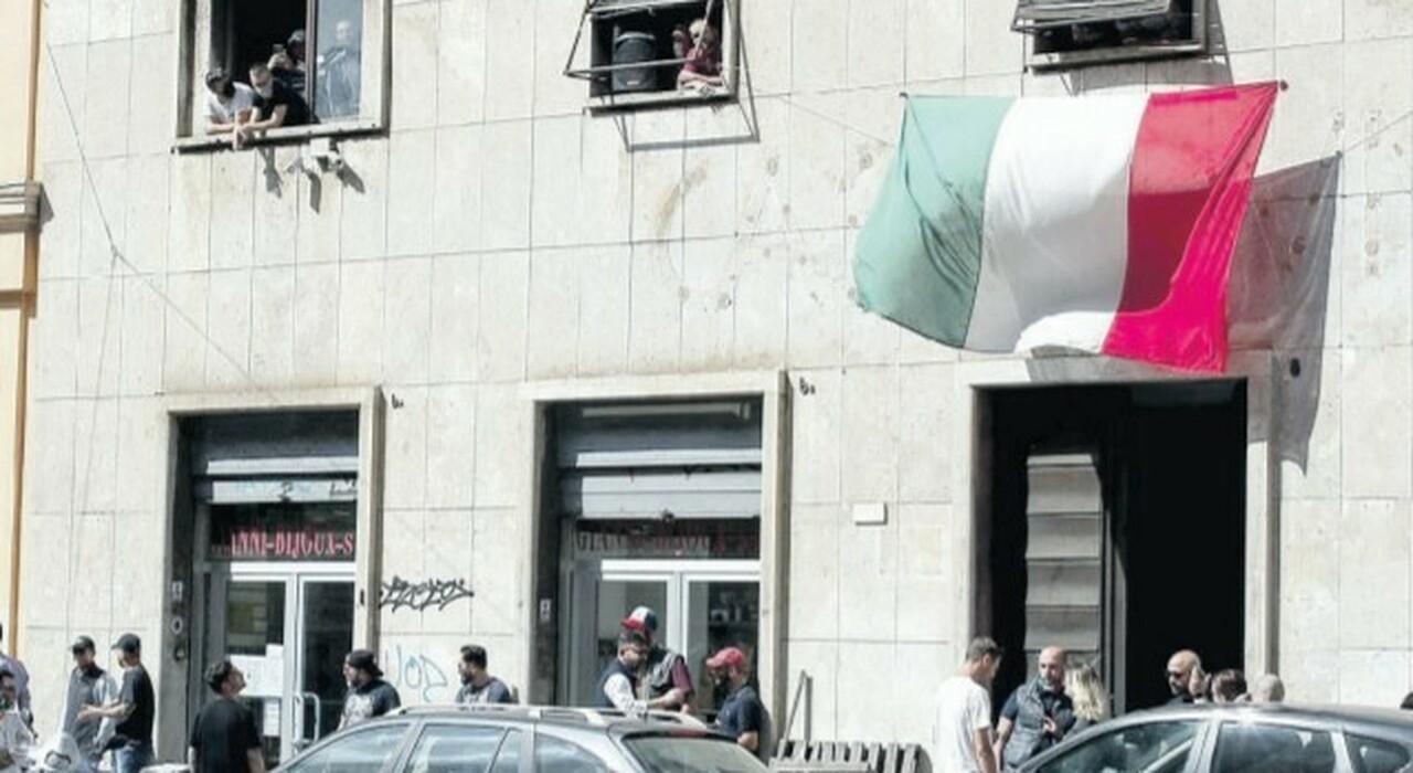 Sgomberi a Roma, nuovo piano. Raggi: ora CasaPound, «via al censimento»