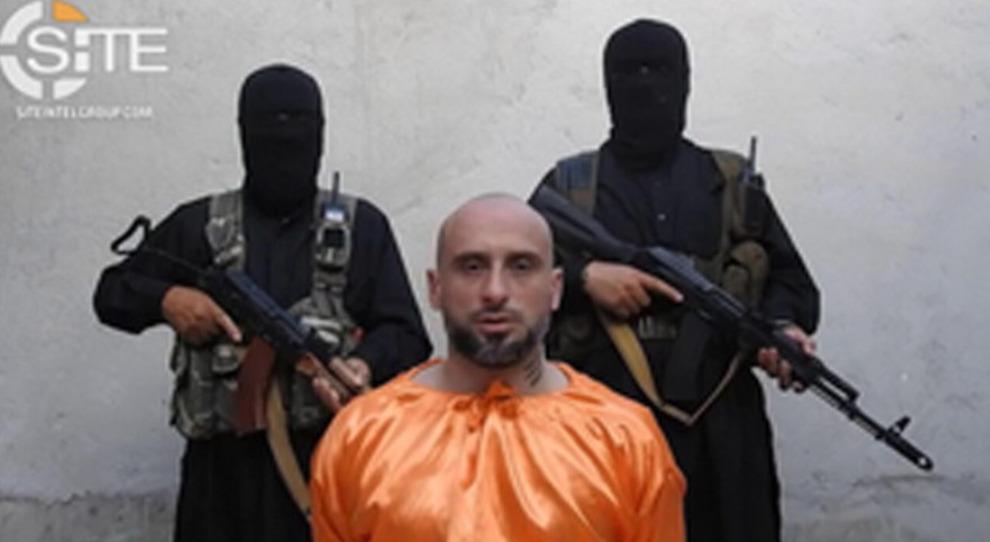 Isis, finti sequestri per dividersi il riscatto. Ma Sandrini poi venne venduto a terroristi veri