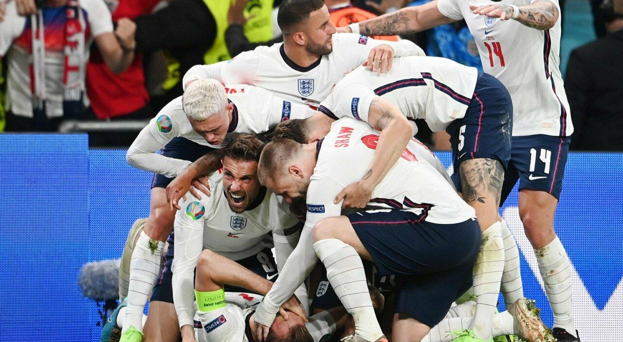 Inghilterra in finale di Euro 2020 con l'aiutino : decisivo il rigore (molto dubbio) di Kane ai supplementari