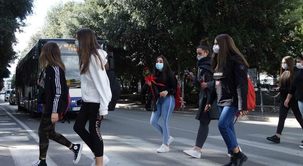 Pandemia, scuola, lavoro: la Cgil incontra i ragazzi su Fb