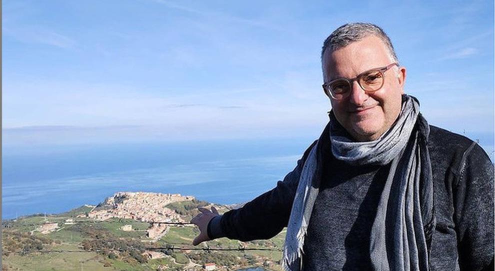 AstraZeneca, avvocato ricoverato a Messina, due settimane fa il vaccino. L'autopsia: emorragia cerebrale