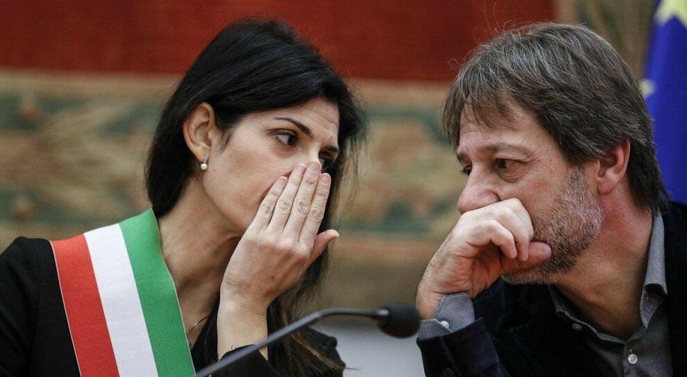 Roma, Raggi ritira le deleghe a Bergamo e Cafarotti: «Visione diversa della città»