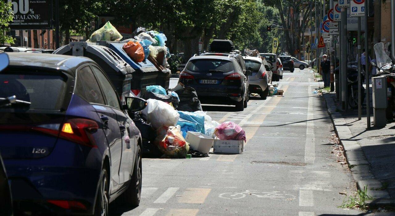 Rifiuti a Roma, il Comune accelera: «Albano, camion ad agosto»