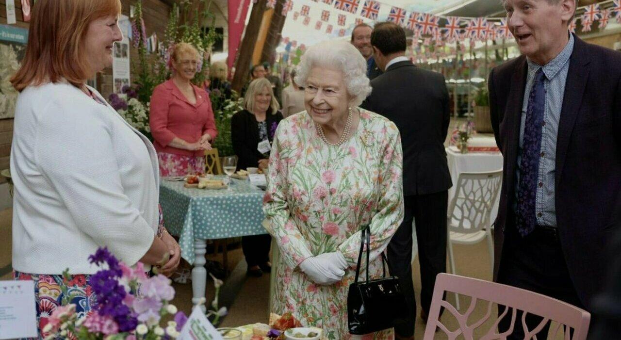 Regina Elisabetta, un messaggio nascosto per salutare la nascita della figlia di Meghan e Harry
