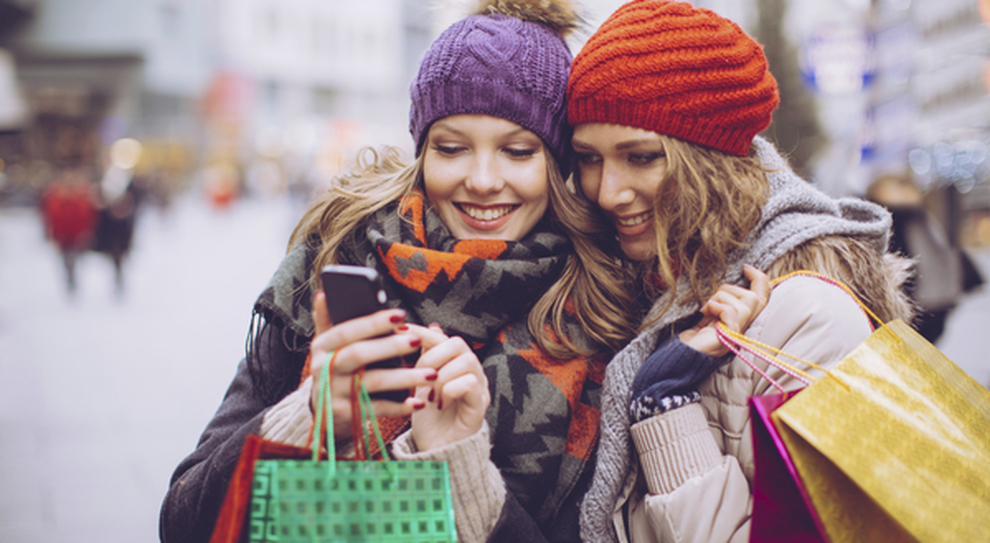 Roma, acquisti online nei negozi: arriva l'app di quartiere