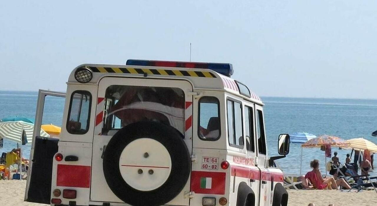 Malori in spiaggia: morti un turista umbro ad Alba Adriatica e una 44enne straniera a Silvi Marina