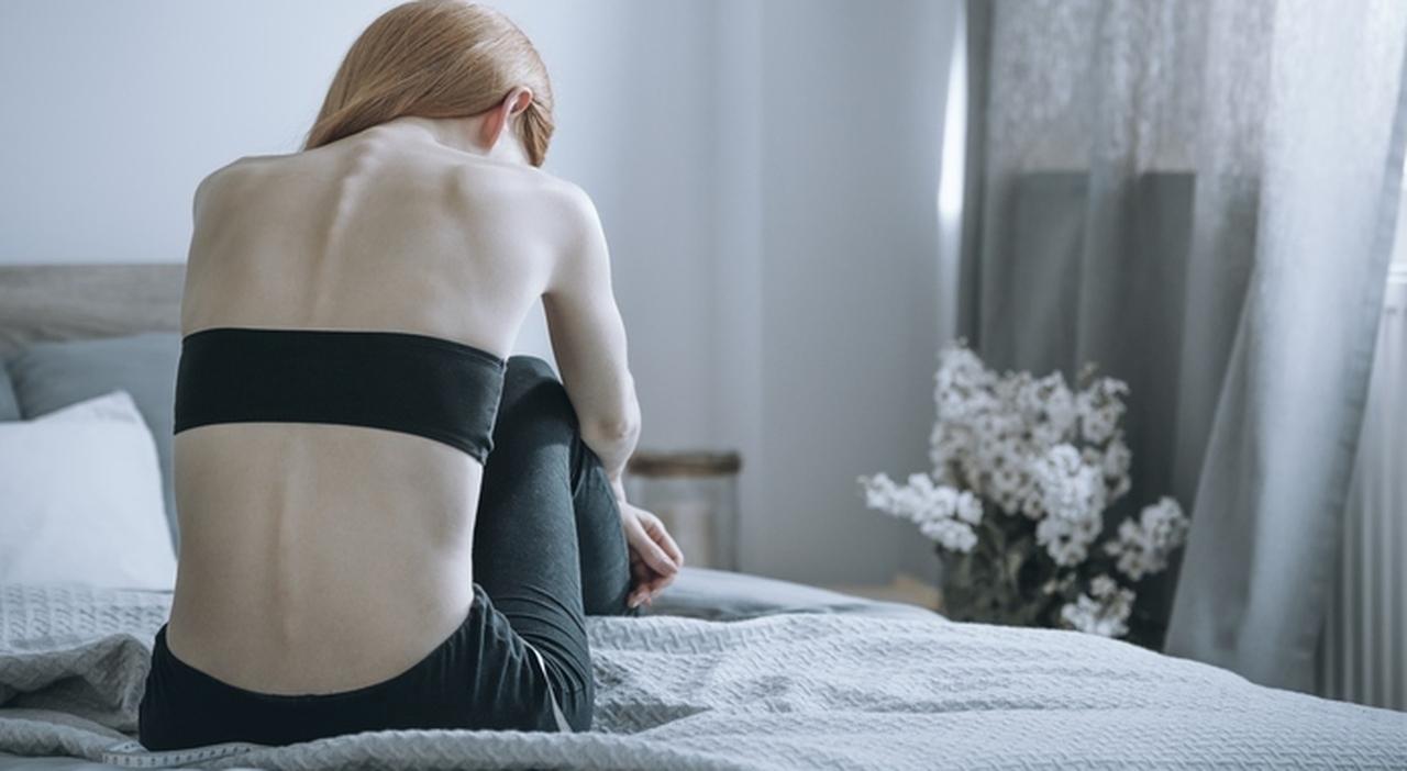 Umilia la figlia anoressica: «Fai schifo». Padre padrone condannato a 30 mesi
