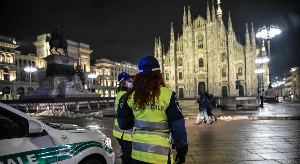 Covid, l Italia in zona arancione: ipotesi lockdown leggero