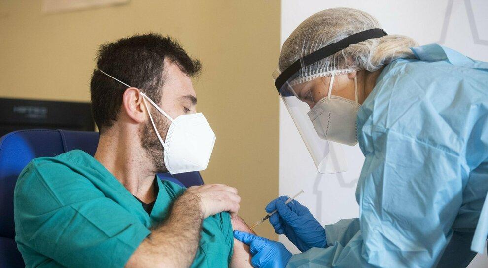 Coronavirus, in Abruzzo inizia la vaccinazione degli over 70