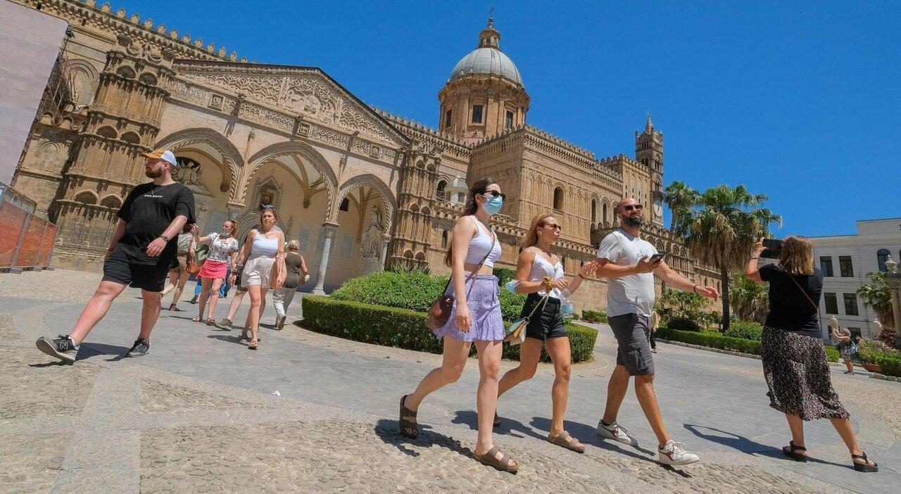 La Sicilia si prepara a tornare zona gialla, ma rischiano anche Sardegna e Calabria