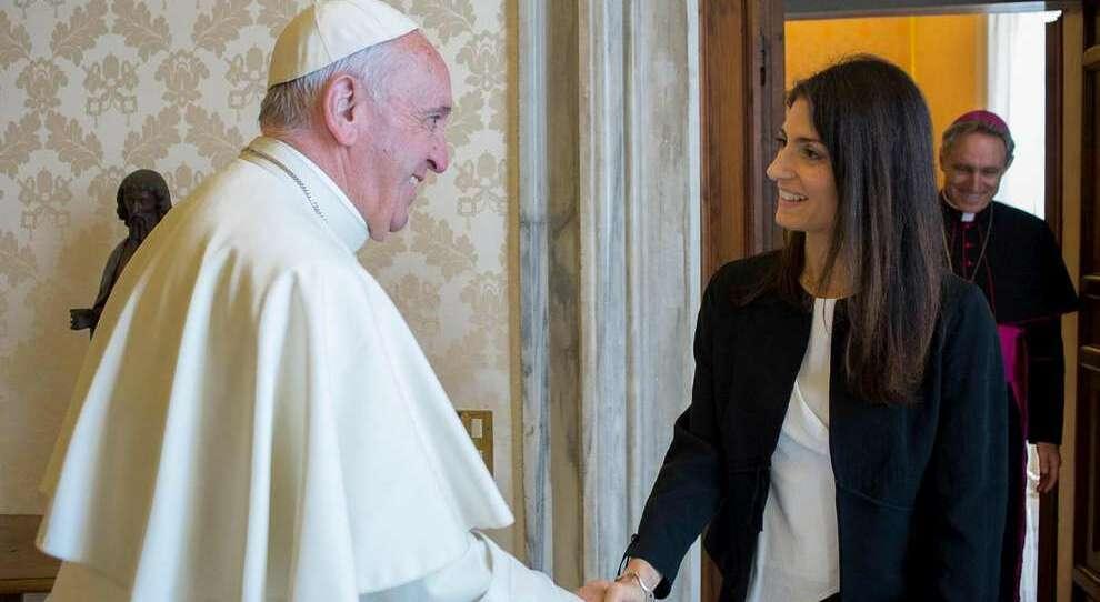 Papa Francesco vede la Raggi e Zingaretti, udienze separate per gli auguri di inizio anno