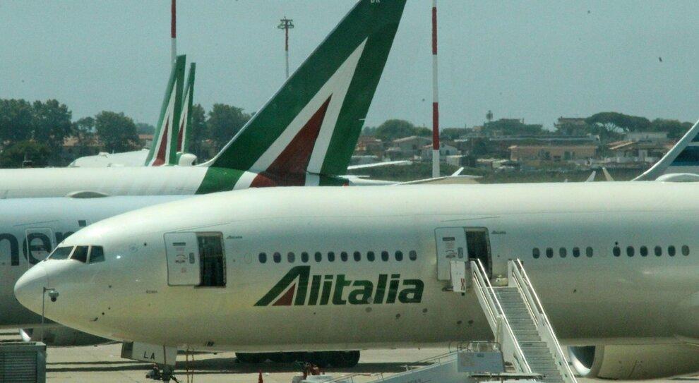 Alitalia-Ita, per decollare subito tagli a slot e servizi a terra