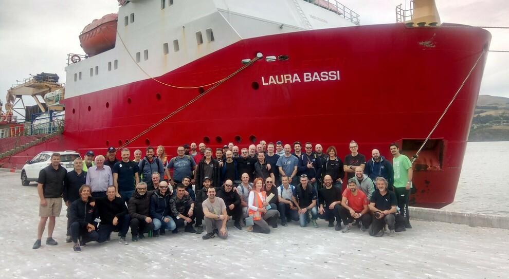La nave polare italiana Laura Bassi