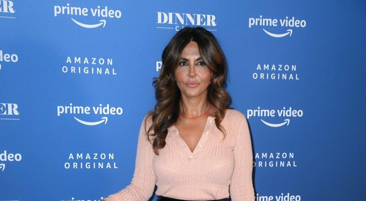 Sabrina Ferilli dubutta su Prime Video con Dinner Club: «I social? Ho fatto causa a due hater»