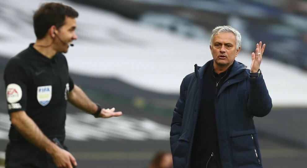 Roma, Mourinho nuovo allenatore: lo Special One ha vinto 25 titoli in carriera. Ecco come giocherà