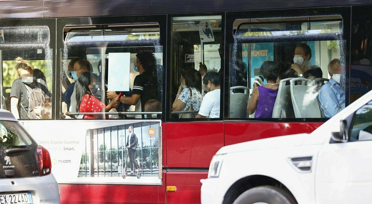 Roma, l Atac al prefetto: «Mancano i bus, più gente a bordo»