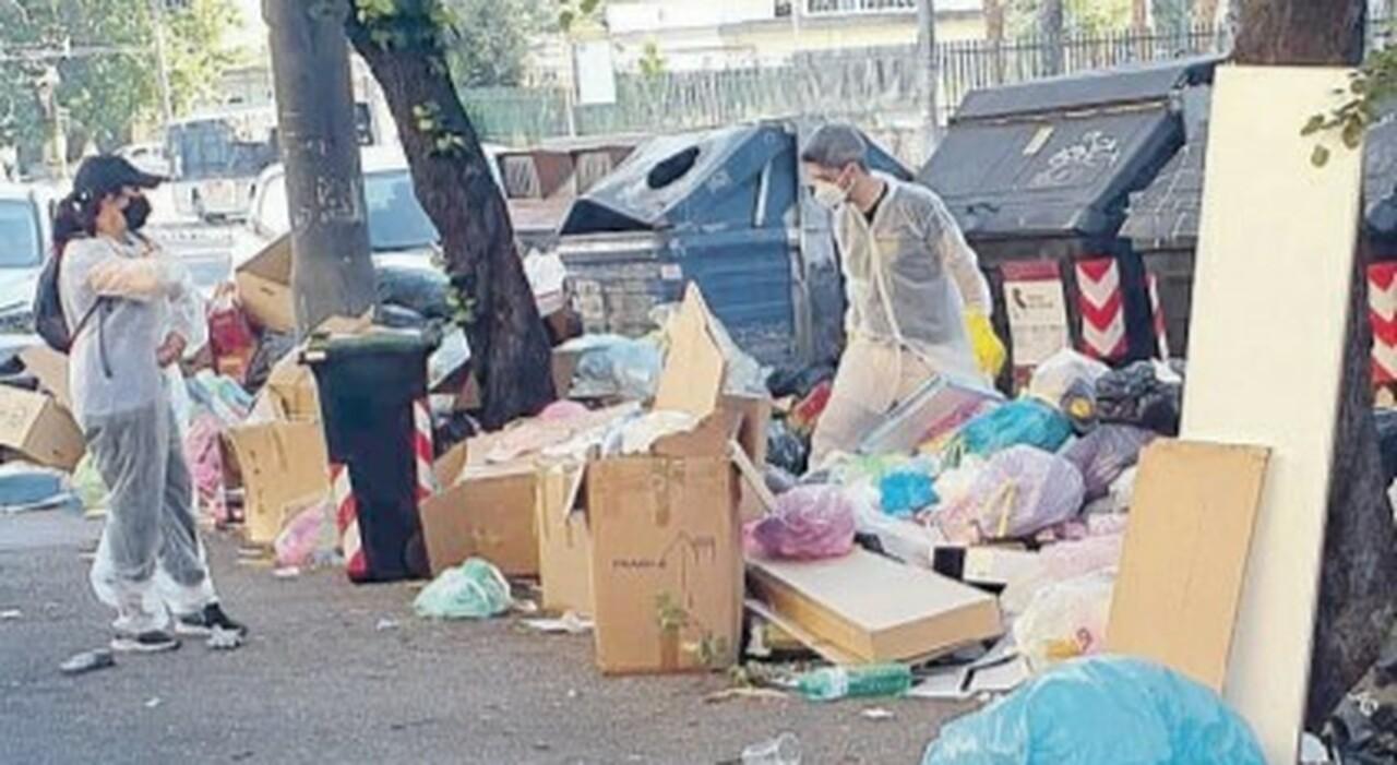 Rifiuti a Roma, prosegue l'emergenza. Parte il fai-da-te dei cittadini: «Stanchi di aspettare l'Ama»
