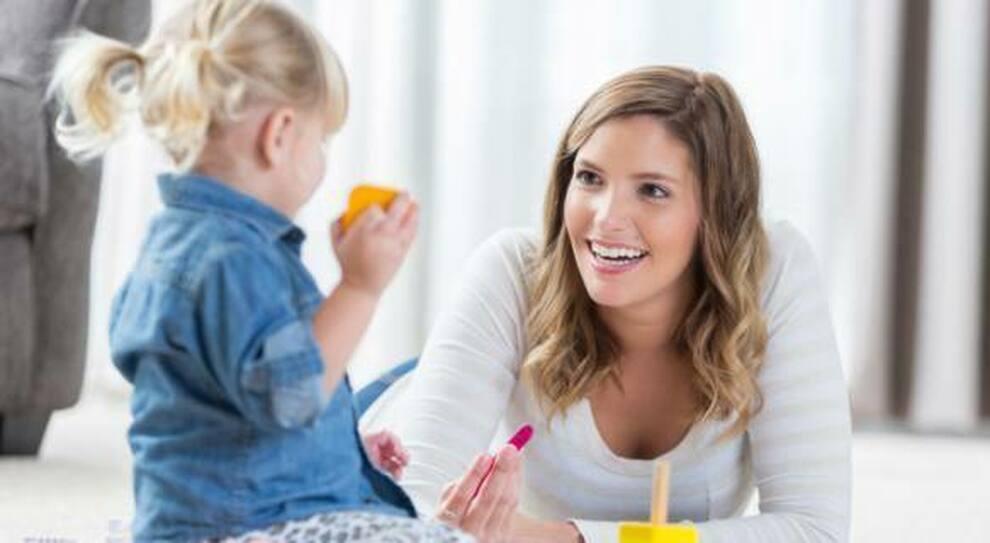 Bonus baby sitter e congedi parentali: cosa c'è da sapere sui nuovi aiuti alle famiglie