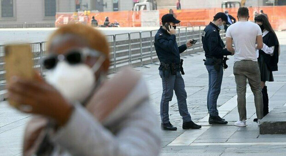Multe in zona rossa e arancione, chi viola le regole rischia multe sino a 3.000 euro (e anche il carcere)