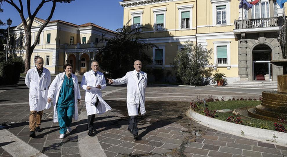 L altra vita della coppia di Wuhan guarita allo Spallanzani: «Incubo finito, visiteremo Roma»