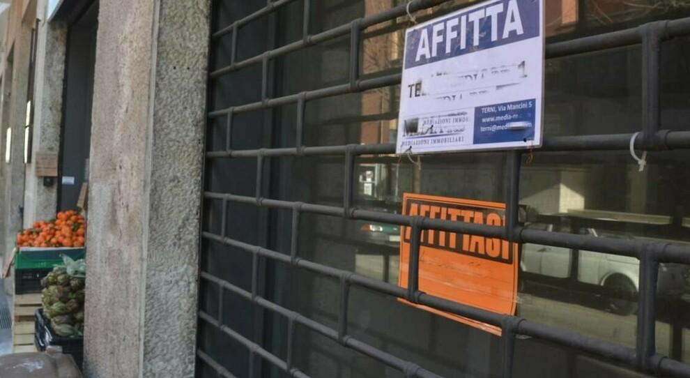 Roma, negozi: affitti gratis due anni per i commercianti nei locali del Comune. Il piano del Campidoglio