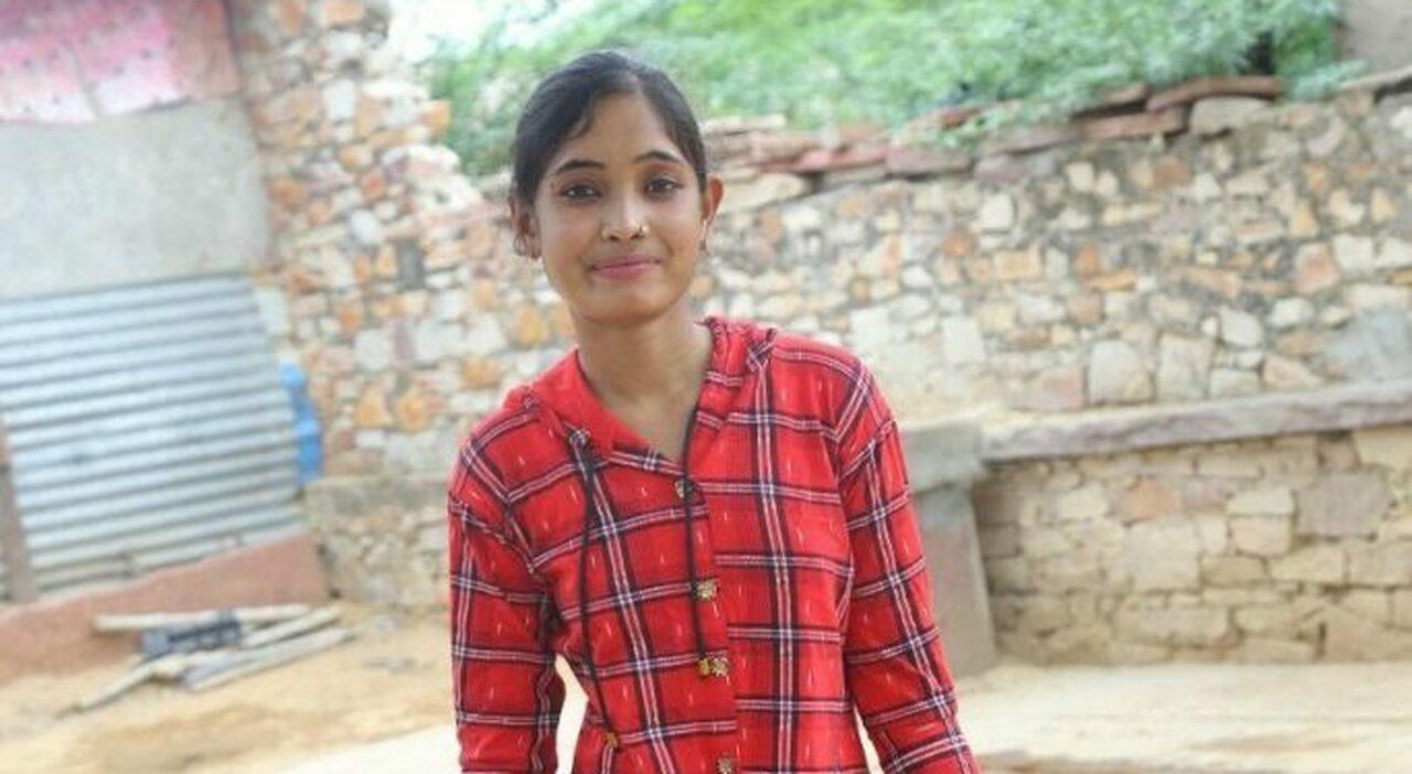 Rifiuta le nozze combinate e ora aiuta le altre a dire no: la ragazza che sfida l'India