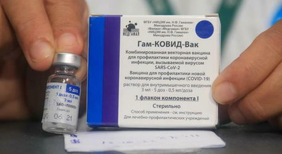 Il trasporto dei vaccini Sputnik