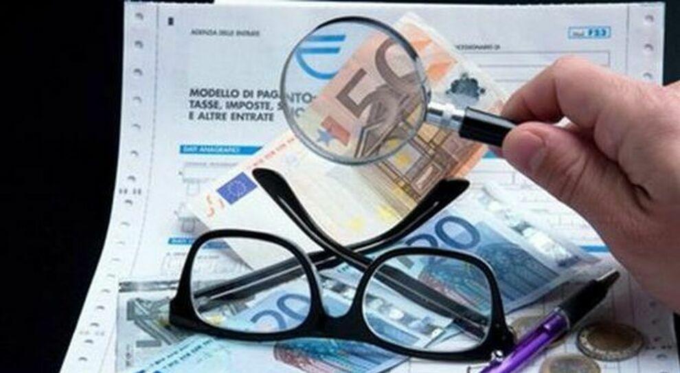 Niente bonus senza Isee, assedio ai Caf: otto milioni di famiglie per la richiesta dell'indicatore
