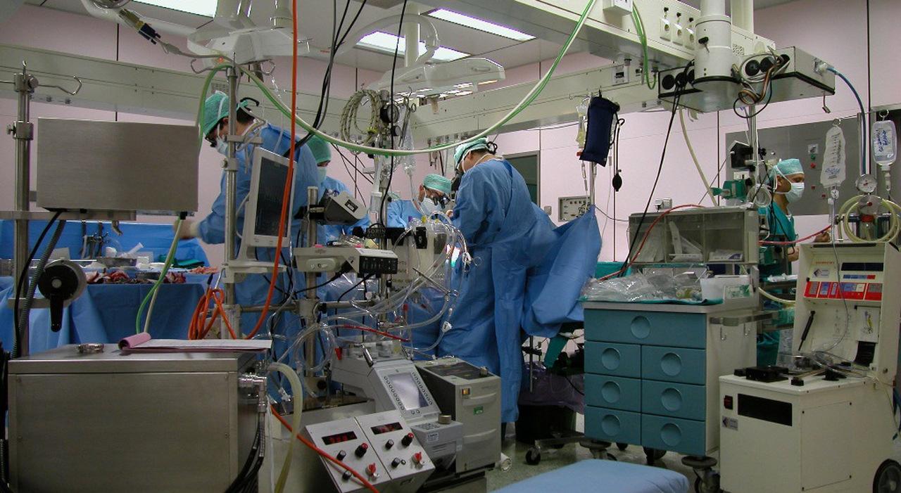 Cardiochirurgia, sospeso il concorso per primario. La Asl: «Faremo verifiche»