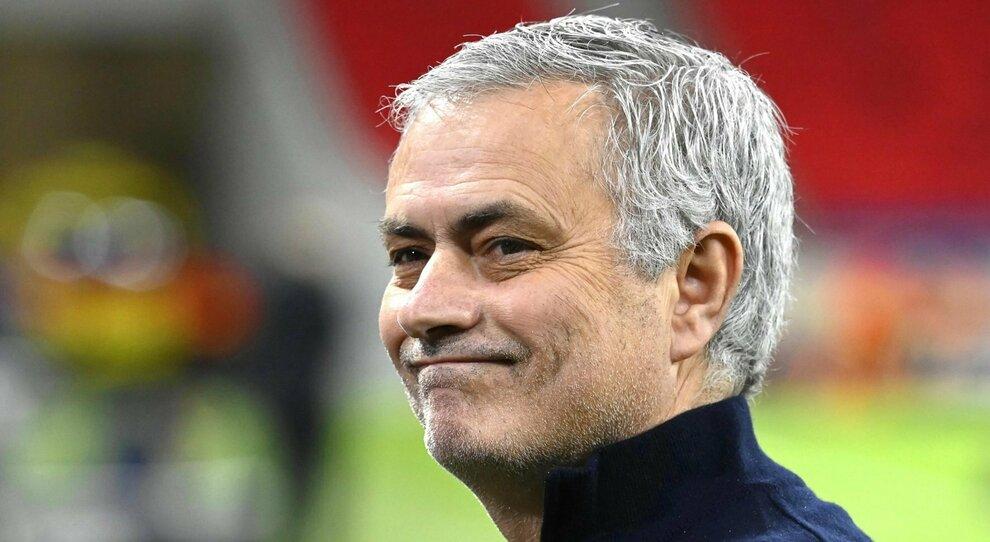 Mourinho alla Roma, vincente e provocatore: «Non vedo l ora, daje!»