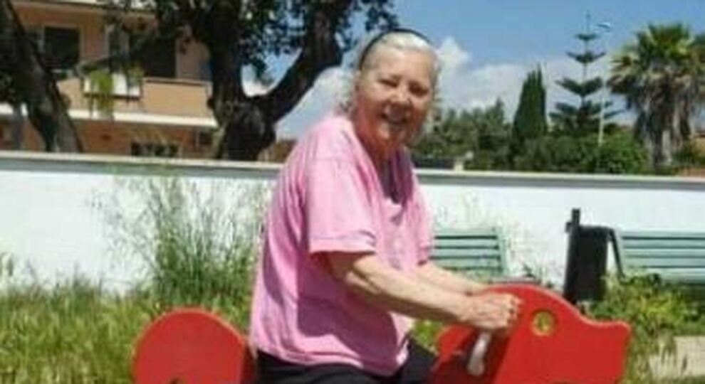 Roma, anziana picchiata e uccisa all'Infernetto: badante incastrata dai video. Ora rischia l'ergastolo