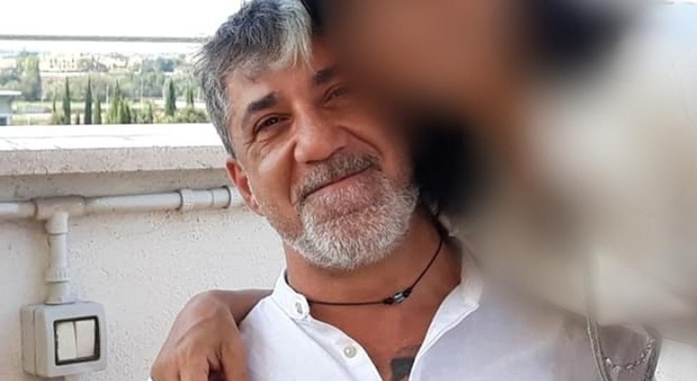 Omicidio-suicidio a Fiumicino, finanziere e compagna trovati morti in casa: «Vogliamo farla finita»
