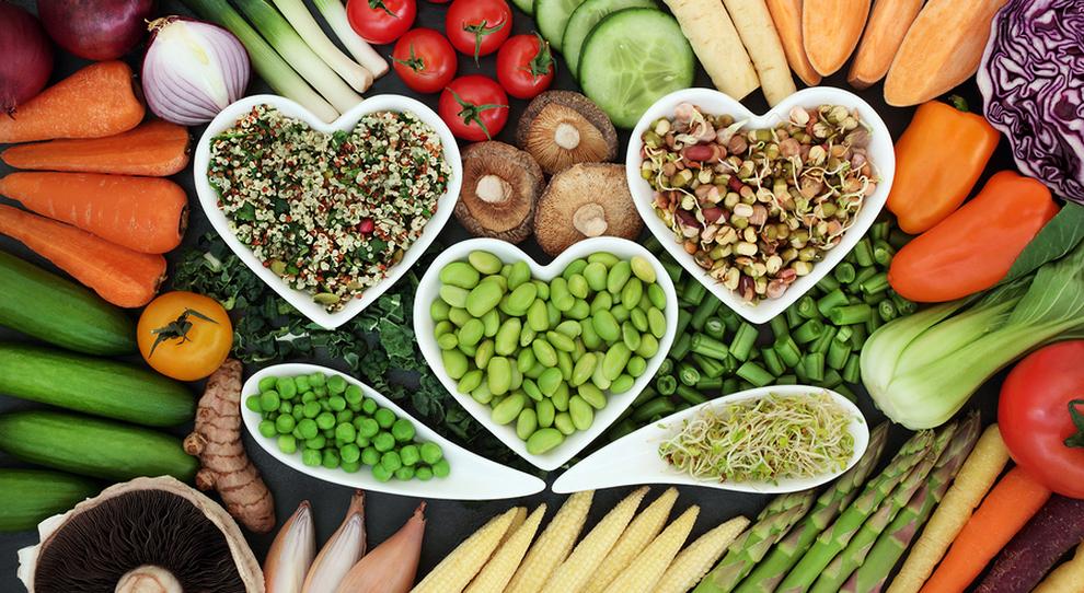 Dieta, la scelta del cibo per essere felici: ecco la regola del 4 su 21