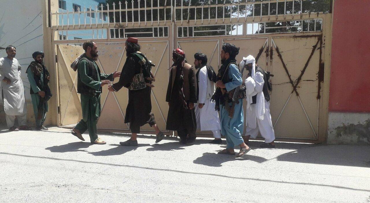 Afghanistan, nella nostra ambasciata a Kabul al macero le carte top secret