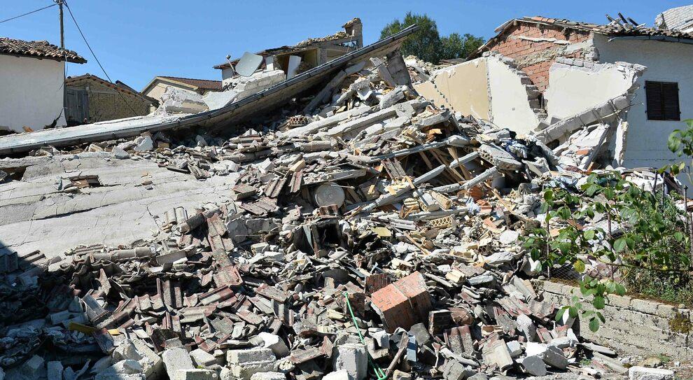 Saletta dopo il sisma (Archivio)
