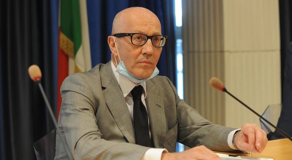 Coronavirus, gestione dell'emergenza: avviso di garanzia al manager della Asl Vincenzo Ciamponi