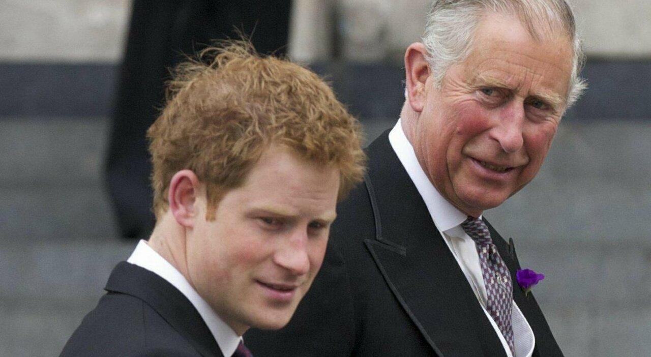 Harry ha nostalgia: il principe riconosce i suoi errori e vuole riavvicinarsi a Carlo e William
