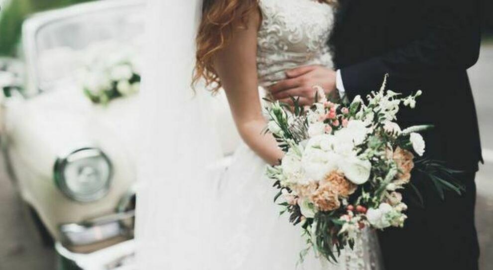Matrimoni e comunioni (anche all'aperto) vietati nonostante la zona gialla: cosa può cambiare a giugno