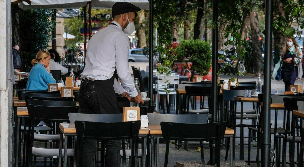 Dl Ristori, aiuti fino al 200% per bar e ristoranti: tetto massimo di 150 mila euro. Il documento
